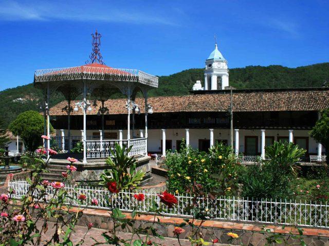 plaza_san_sebastian_del_oeste_-_09