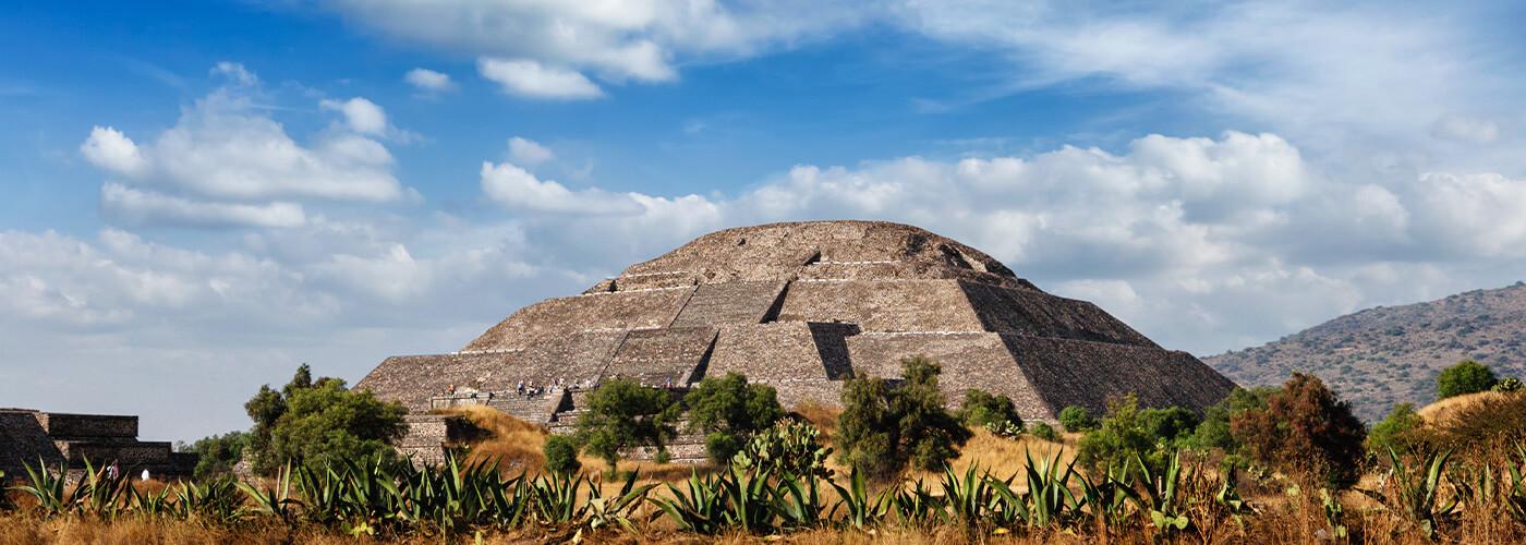 Estigo Private Tours Mexico City Piramids of teotihuacan + Basilica of guadalupe 3