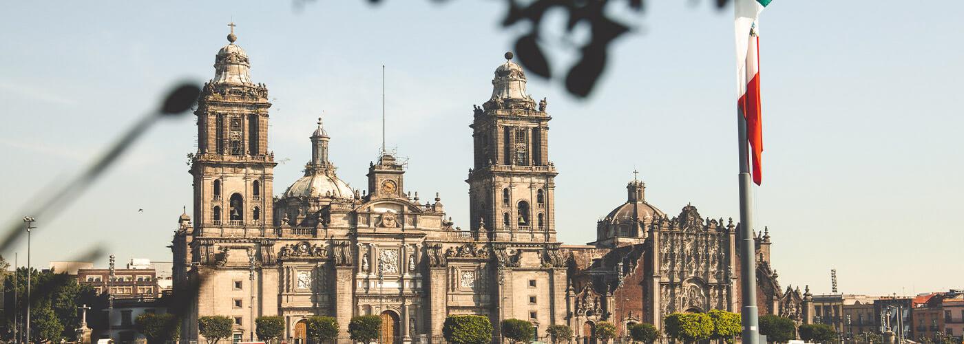 Estigo Private Tours Mexico City Templo mayor museum tour + Zocalo 2